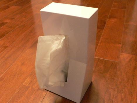 Duende_tissue_case_stand_in